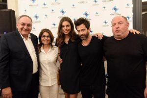 Esquerda para direita: Prof. Zeev Rotstein, Diretor do Hadassah Medical Center; Dalia Itzik, ex porta-voz do Parlamento e Presidente do Hadassah International Israel; Shlomit Malka, modelo; Yehudah Levi, ator; e Harel Wiesel, proprietário do FOX Group.